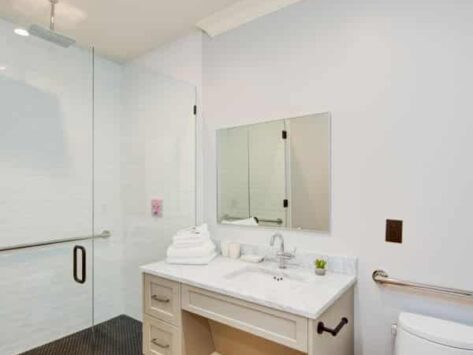 Deluxe Two Bedroom Suite With Patio, The Quarters on King